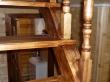 Ступени и балясины деревянной лестницы